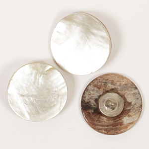 White Loop Mother of Pearl  Button 20mm